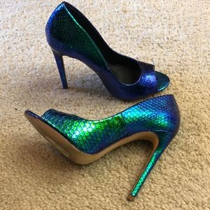 Liliana size 5.5 mermaid open toe heels